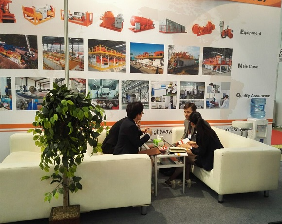 Customers-at-Mioge-2015